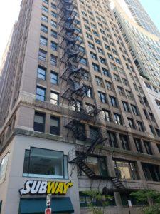 シカゴの高層ビルの古い外階段