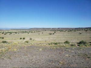 ニューメキシコ・レイルランナー・エクスプレスの車窓風景(アルバカーキ~サンタ・フェ)