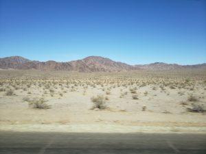 グレイハウンドの車窓風景(ラスベガス~ロス)