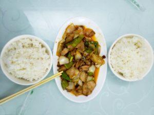 食堂車の回鍋肉(敦煌~西安)