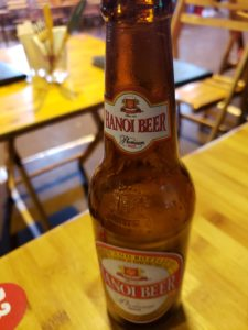 ハノイビール(旧市街のバーで)